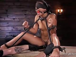 Horny babe loves hardcore bondage sex