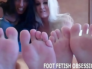 Blow your load all over my perfect soles