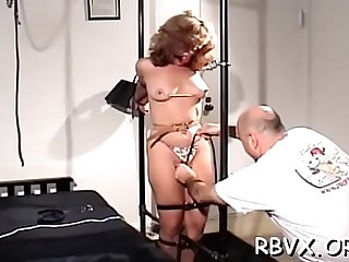 Frisky girl decided to show her erotic cuch